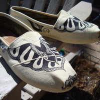 tattoo like design on TOMS shoesmade to order by ArtfulSoles