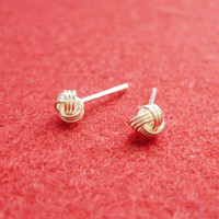 3 Mm Small Bright Knot Silver Stud .. on Luulla