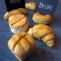 Place Card Holders Set of Six Mini Bread Shaped Les by artspell