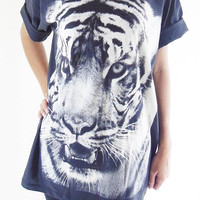 Tiger T-Shirt -- Head Animal Shirt Animal T-Shirt Tiger Shirt Animal Tee Shirt Unisex T-Shirt Women T-Shirt Men T-Shirt Black T-Shirt Size L