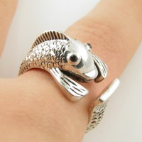 Silver Wrap Fish Ring - SIZE 7