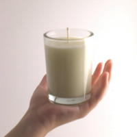 Spring Rain - Handcrafted Soy Candle. Crisp and clean. Ecofriendly biodegradable home decor