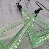 Mint Green Triangle Lucite Earrings, Vintage Earrings, Wire Wrapped Earrings, Green Fashion Earrings, Geometric Earrings, Retro Earrings