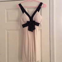 Macy&#x27;s White Dress With Black Straps And Big Black Bow Size Small