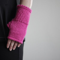 Crochet Fingerless gloves, Fingerless mittens in fuchsia, Winter Mittens, Wrist Warmers, Knit mittens for women