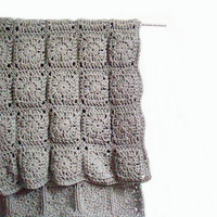 Crochet Rug Carpet Granny Square in Grey