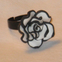 Black and White Rose Ring