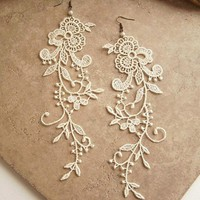 Wisteria ivory lace earrings