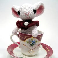 Buy Stella the Mouse pattern - AmigurumiPatterns.net