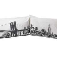BROOKLYN BRIDGE PILLOW CASE SET | Sham, Bedding, Bed Room, Sheets, Blankets, New York, Brooklyn Bridge, Photography | UncommonGoods