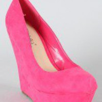 Breckelle Cilo-01 Suede Round Toe Wedge