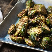 Roasted Brussels Sprouts with Garlic and Sesame