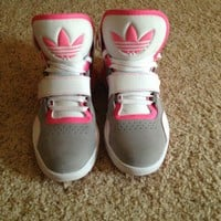 Womens Adidas Roundhouse...