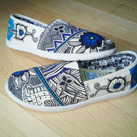 Custom Shoes difficult design by HannahIsosaki on Etsy