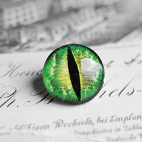 20mm handmade glass eye cabochon - green cat or dragon eye