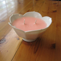 Grapefruit and Mangosteen Scented Pink Decorative Soy Candle in a White Flower Container