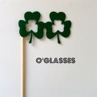 Photobooth prop KIT Shamrock glasses on a stick by KittyDuneCuts
