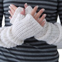 Hand warmers Mittens made of alpaca blend in white pearl color. Long arm warmers. Fingerless gloves. Winter. Spring. Gift for her.