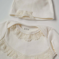 Cream christening gown. Size newborn (0-3months). OR use for a take-home set.  (Made by lippybrand.)
