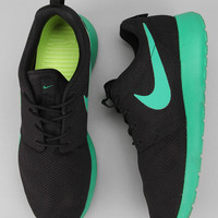 Urban Outfitters - Nike Roshe Run Sneaker
