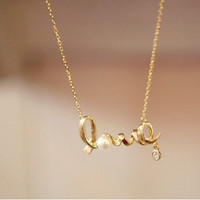 Pretty LOVE Necklace