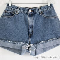 High Waisted Denim Levi&#x27;s Shorts (W28)