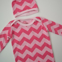 Chevron girl clothes. Size newborn, 0-3 months. (Take home set or baby gift) Pink chevron print.   (Made by lippybrand)