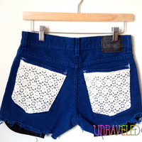 Levi's Shorts with lace pockets (SMALL) // 2022