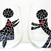 Painted Wine Glasses People in Love Set of 2 by SwirlyGarden