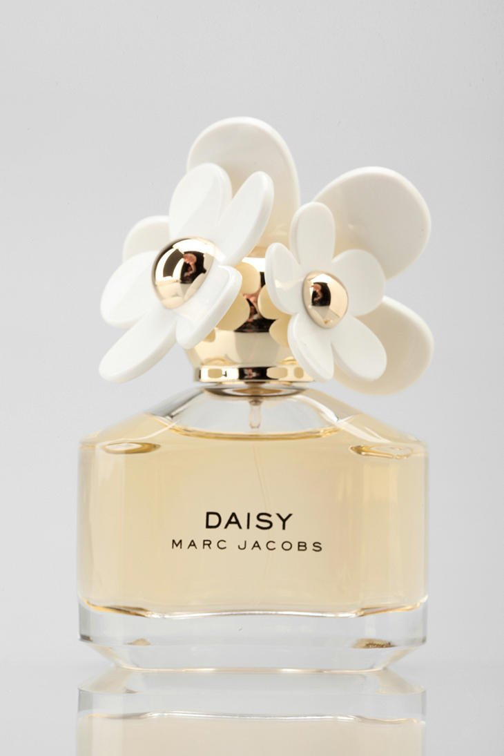 marc jacobs daisy perfume from urban outfitters epic. Black Bedroom Furniture Sets. Home Design Ideas