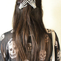 Vixen Boutique — One Pair Skeleton Hand Clip