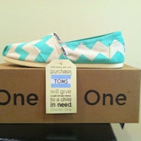 Natural Canvas TOMS w/ Teal Chevron Design