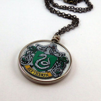slytherin crest  Slytherin Crest Necklace Harry Potte...