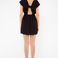 Turn Me Up A Knot Dress in Black :: tobi