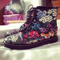 VINTAGE uk size 6 us 8 rare floral Dr Martens - as seen on Sienna Miller - Amazing condition