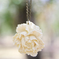 Cream-Ivory Peony Flower Necklace Vintage Style - Milk And Honey | Luulla