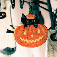Pumpkin Cat Halloween Clay Folk Art Ornament