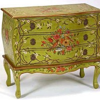 Chartreuse Bombe Chest