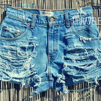 High Wasted Levis Shorts (SMALL)