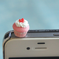 red velvet cupcake phone plug