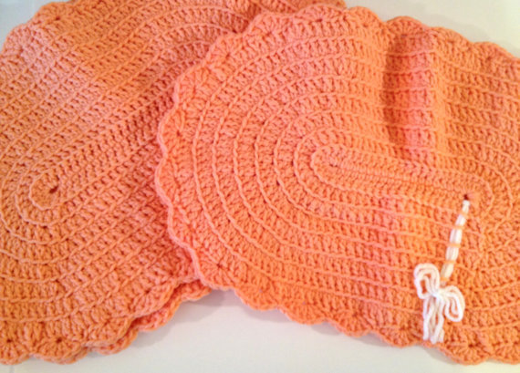 Crochet Pattern For Oval Placemat : Vintage Crocheted Pink Ruffle Placemats from ModernFiction on