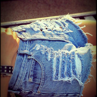 High waited destroyed denim shorts by Jeansonly