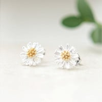 Tiny Silver Daisy Earrings