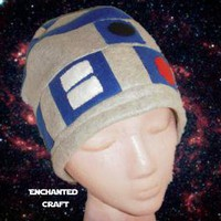Fleece R2D2 beanie hat for the Star Wars fan by enchantedcraft