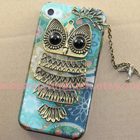 Cute Owl with branch charm, Teal iphone case,  Teal iphone Hard Case for iPhone 4 Case, iPhone 4s Case, iPhone 5 Hard Case