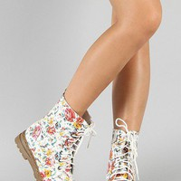 Amazing Vinyl Floral Lace Up Pretty Rain Boots Top Spring High Fashion Trend