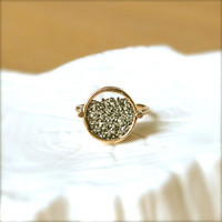 Shake Pyrite Gold Ring by illuminancejewelry on Etsy
