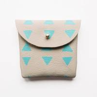 COIN PURSE // beige leather with mint triangles