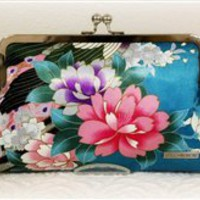 Holly Clutch LIMITED EDITION {Handmade by Lw.}