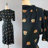 1940s Dress / Embroidered Posy Dress / 40s
